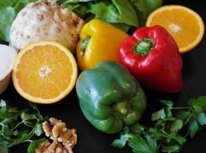 Paprika und Zitrusfrüchte helfen bei Endometriose